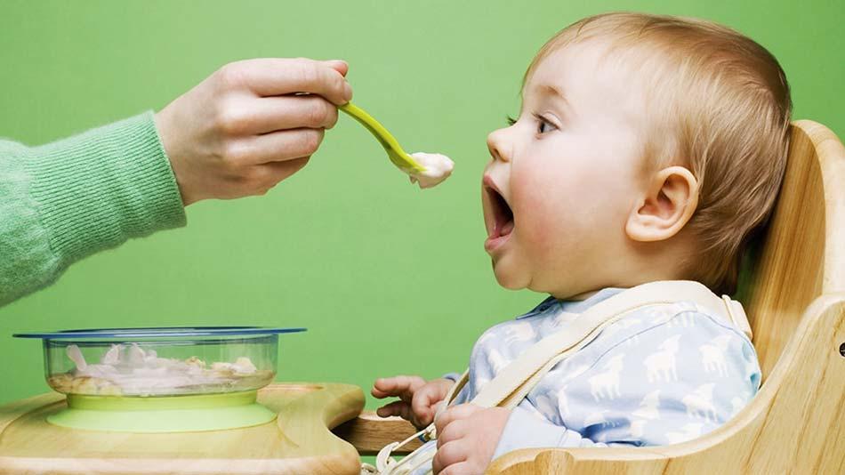 غذای-کمکی-نوزاد
