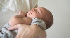 دلیل بالا آوردن نوزاد-دلیل بالا آوردن شیر در نوزادان